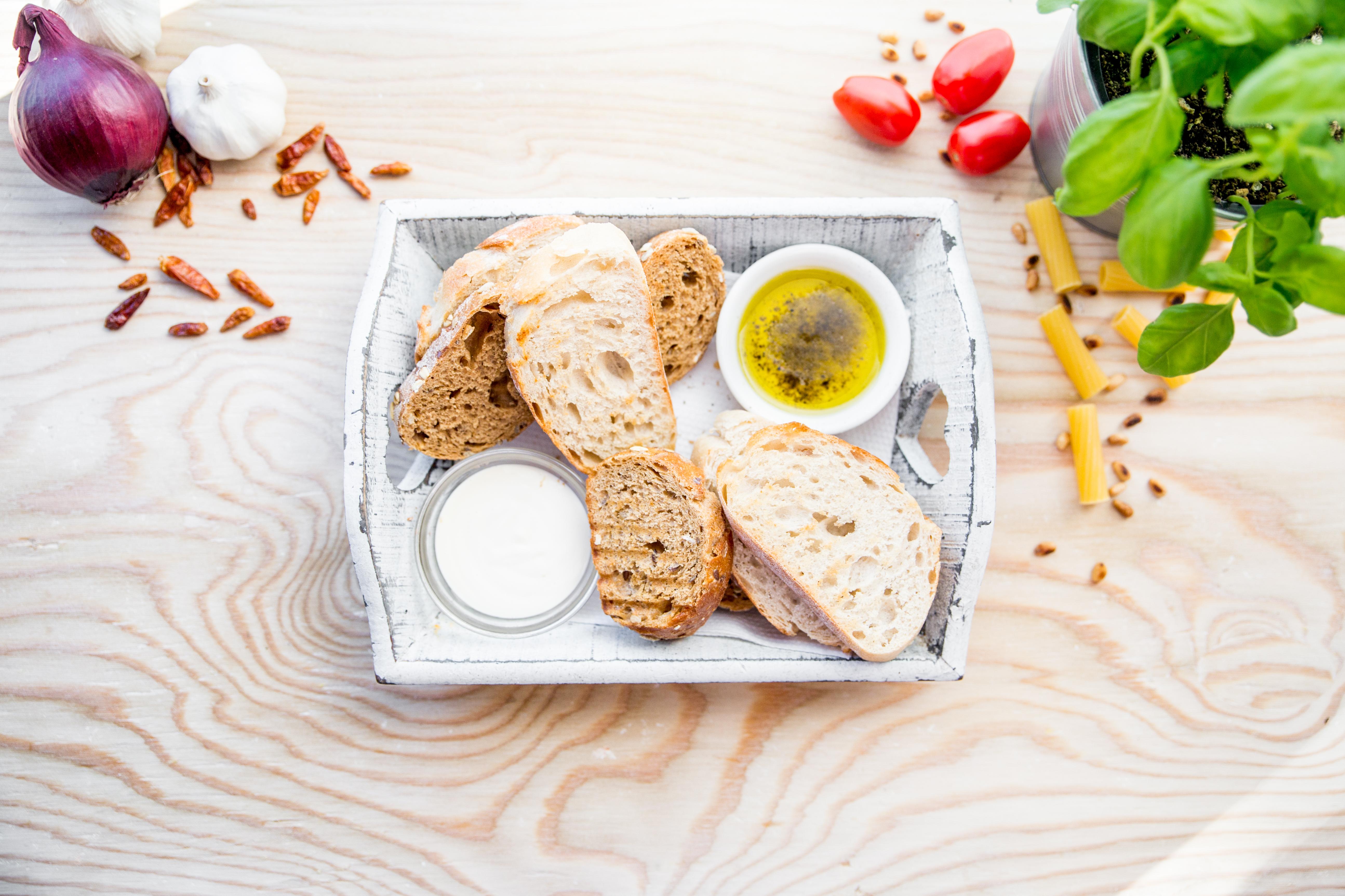 Pane e olio/aioli